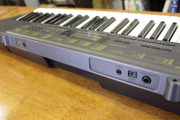 カシオの電子ピアノ CTK-2200