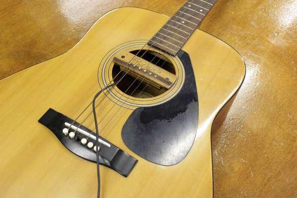 ヤマハのアコースティックギターを買取しました