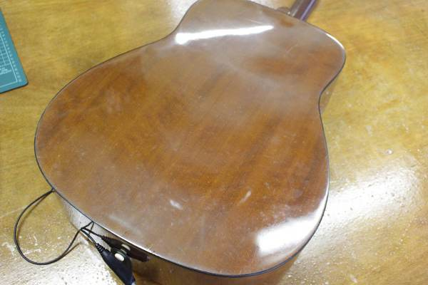 ヤマハのアコースティックギター FG-401